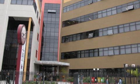 Universidade é condenada em R$ 10 mil por demora de três anos para entregar diploma