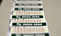 Mega-Sena acumula e pode pagar prêmio de R$ 18 milhões no sábado