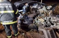 Mulher morre em acidente frontal entre carro e carreta em em Água Clara