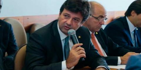 Luiz Henrique Mandetta se reúne com Bolsonaro e pode assumir ministério da Saúde