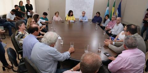 Henrique Prata vem a Dourados assinar contrato para Hospital do Amor
