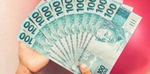 Auxílio emergencial de R$ 600 será liberado só no fim do mês para inscritos após o dia 11