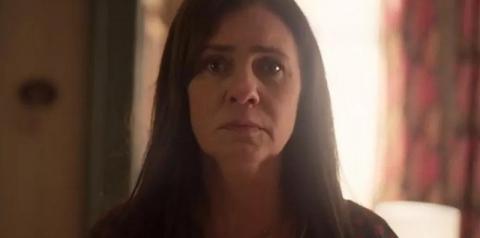 Reta final: Thelma sequestra o neto e tenta fugir do Brasil em 'Amor de Mãe'