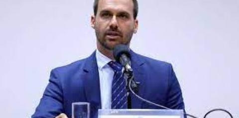 Filho do presidente, deputado Eduardo Bolsonaro é diagnosticado com Covid-19