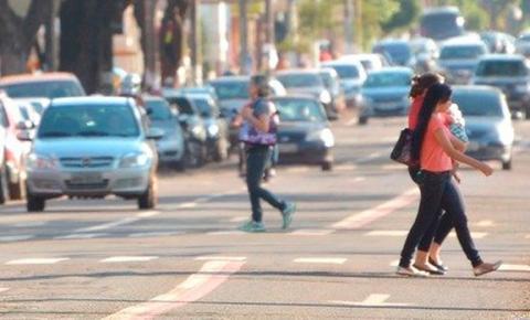 Ciclistas e pedestres poderão ser multados por infrações no trânsito a partir de abril