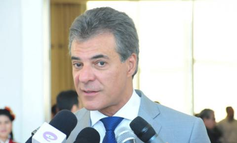 Governador do Paraná renuncia ao cargo para se candidatar ao Senado