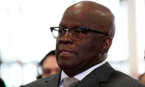 Joaquim Barbosa anuncia desistência de candidatura à presidência
