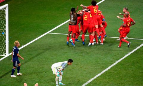 Bélgica vira sobre o Japão no último minuto e pega o Brasil nas quartas