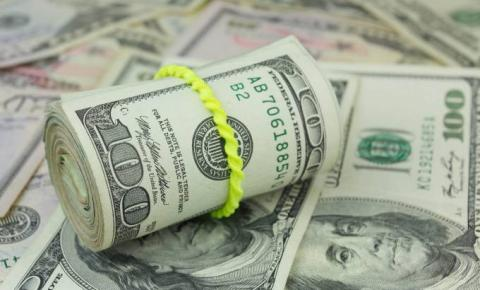 Dólar fecha acima de R$ 3,93, no maior valor desde março de 2016