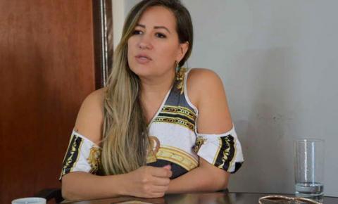 Radialista Keliana Fernandes, de Dourados, vai ser a vice do juiz Odilon