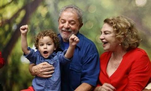 Neto de Lula morre de meningite aos 7 anos; ex-presidente deve pedir para ir ao enterro
