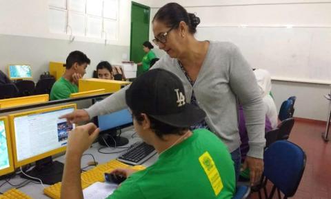 Decreto do Governo exclui administrativos da educação da jornada de oito horas