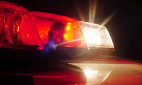 Passageira de motocicleta, mulher é arremessada contra poste e morre