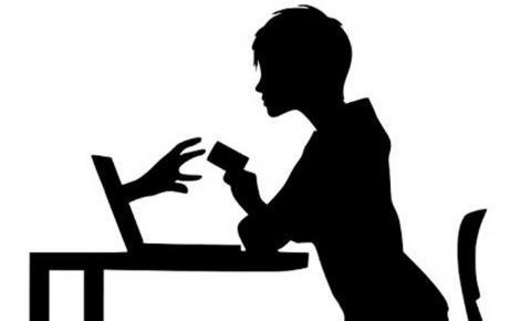 Olha o golpe: mulher de MS perde R$ 180 mil para namorado virtual