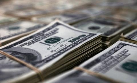 Dólar bate R$ 5,20 pela primeira vez na história