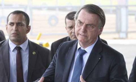 Bolsonaro diz que isolamento vertical pode ser decretado nesta quarta após conversa com Mandetta