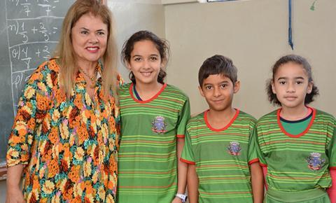 Prefeita Ilda Machado assina decreto que antecipa férias escolares de julho na REME de Fátima do Sul