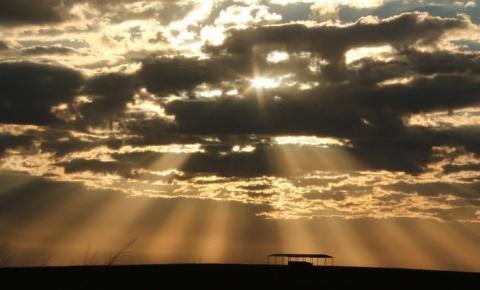 Aumento de nuvens provocam pancadas isoladas de chuva à tarde em MS
