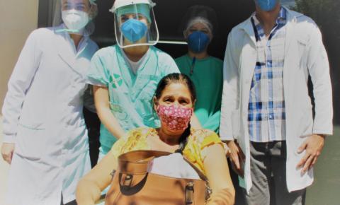 Paciente vence a Covid e emociona médico ao agradecer pelo atendimento no Hospital da SIAS em Fátima do Sul