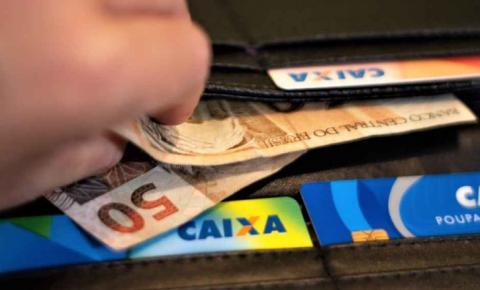 Governo antecipa 13º salário que começa a ser pago nesta terça-feira