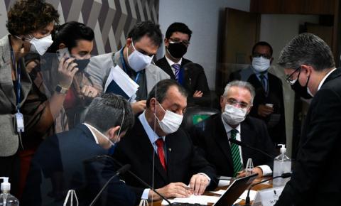 CPI ouve servidora da Saúde apontada por autorizar compra das vacinas Covaxin