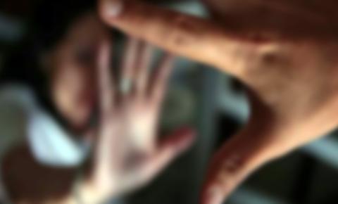 Avôdrasto é flagrado estuprando menina de 8 anos e mãe procura delegacia