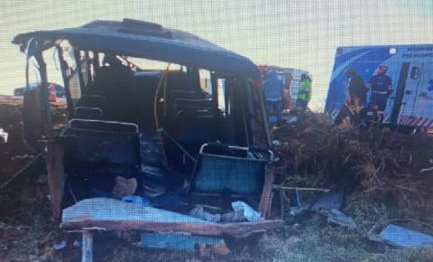 Motorista não habilitado para ônibus provoca grave acidente em rodovia de MS e quatro ficam feridos