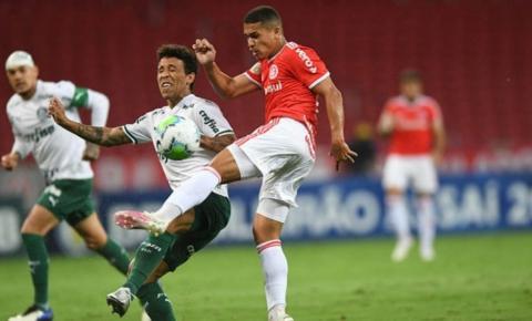 Árbitro de Palmeiras x Internacional detalha expulsão de Edenilson: 'Vieram para roubar, cambada de ladrão'