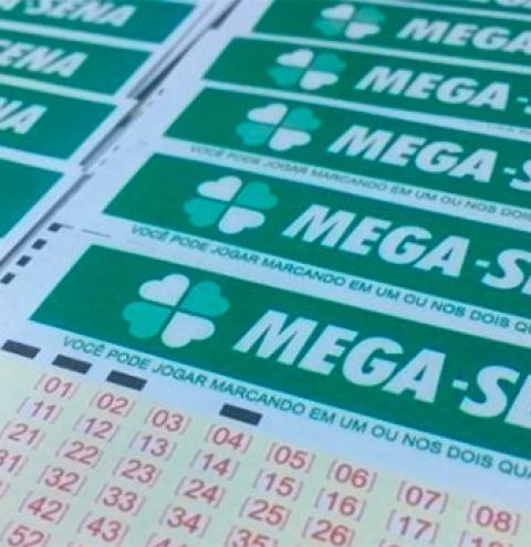 Ninguém acerta a Mega-Sena e prêmio acumula em R$ 30 milhões