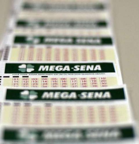 Mega-Sena pode pagar prêmio de R$ 14,2 milhões nesta quarta-feira